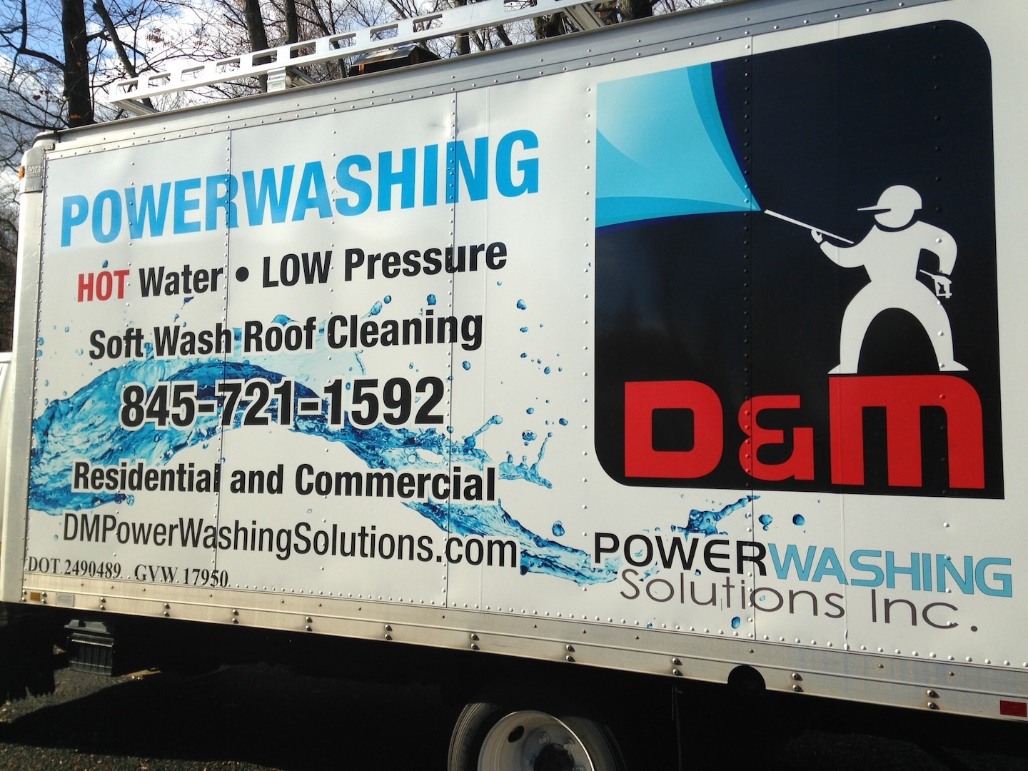 D & M PowerWashing Solutions