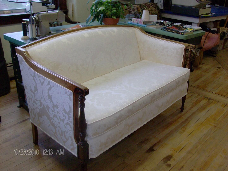 D' Leon Custom Upholstery