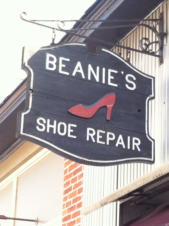 BEANIE'S SHOE REPAIR