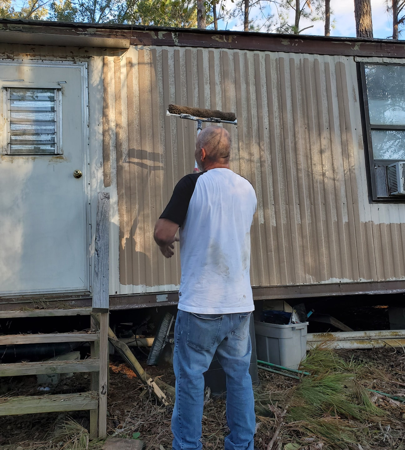 Mobile home exterior painting