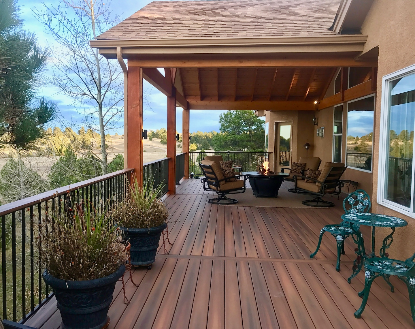 Premier Custom Decks & Outdoor Living
