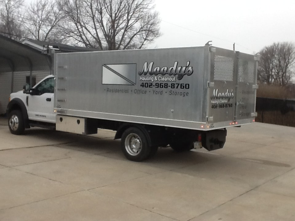 MOODY'S HAULING & CLEAN-UP