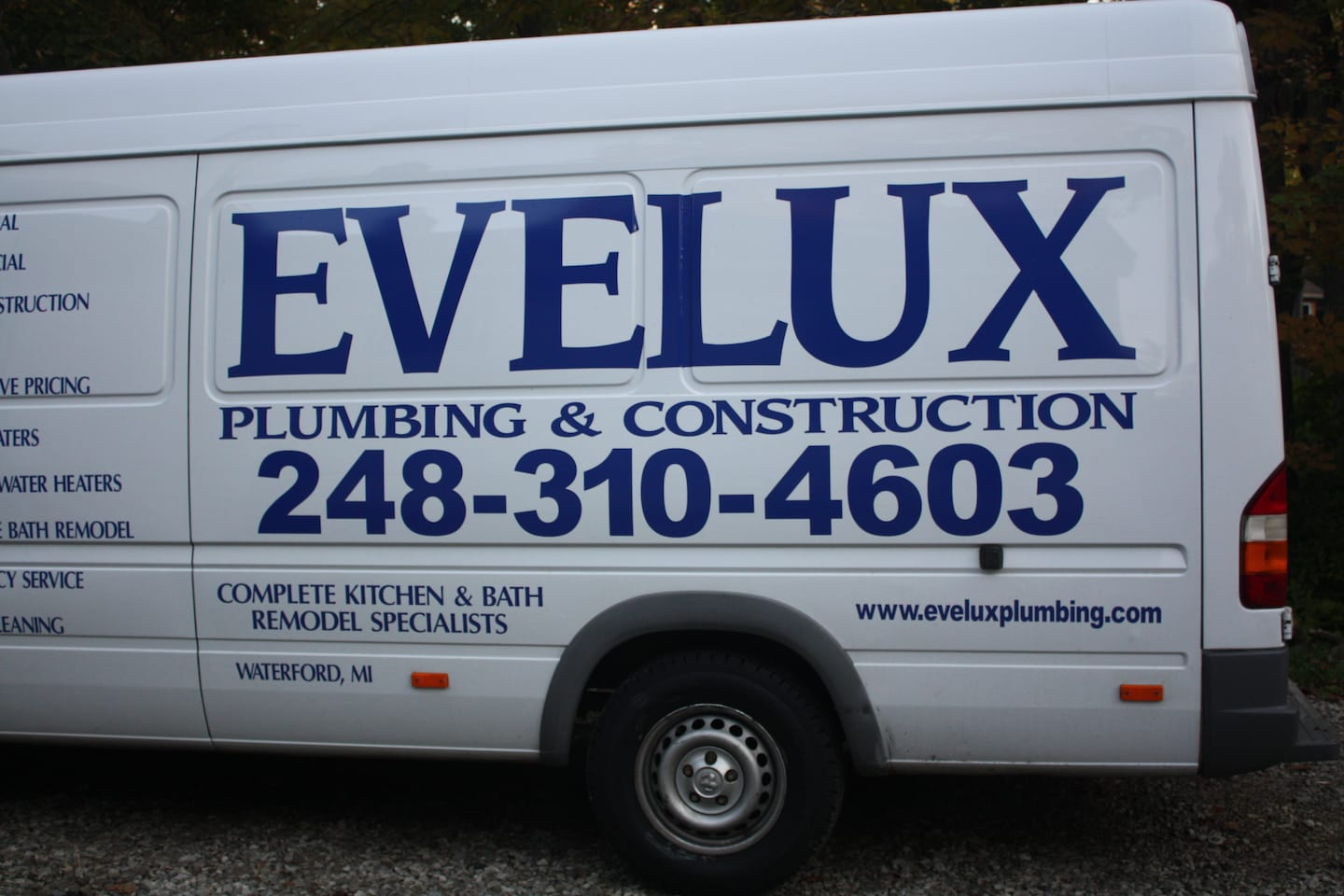 Evelux Plumbing & Construction
