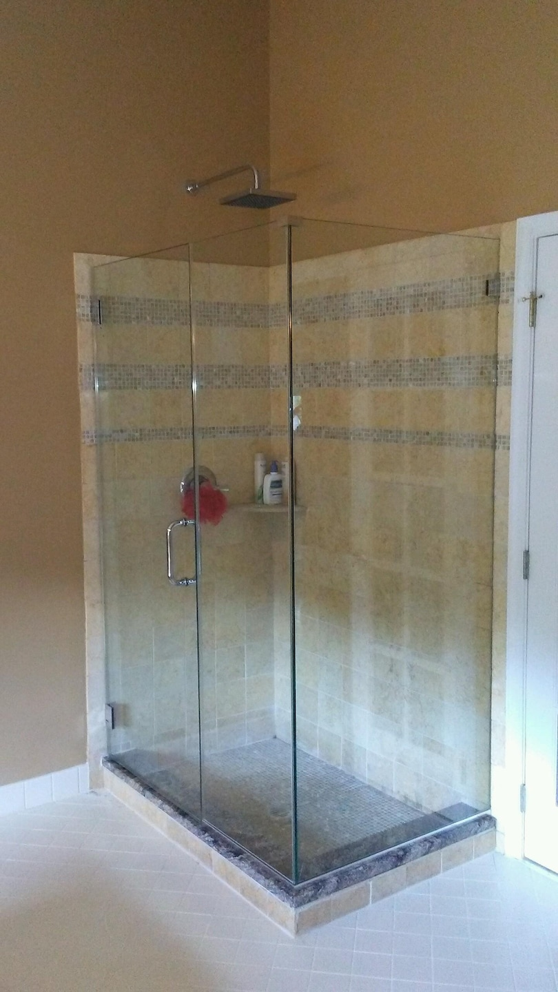 Deco glass and shower door